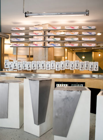 Label Experience : vue du bar à bière artisanale Brussels Beer Project à Pigalle