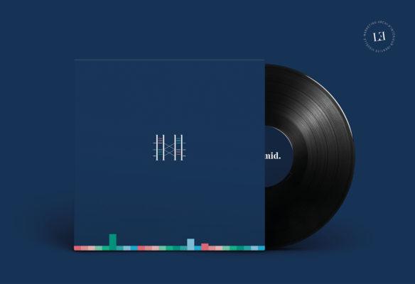 Label Experience : Goodies représentant l'identité visuelle de l'enseigne sous forme de vinyle pour le pop-up store de « Pyramid » au Carrousel du Louvre.