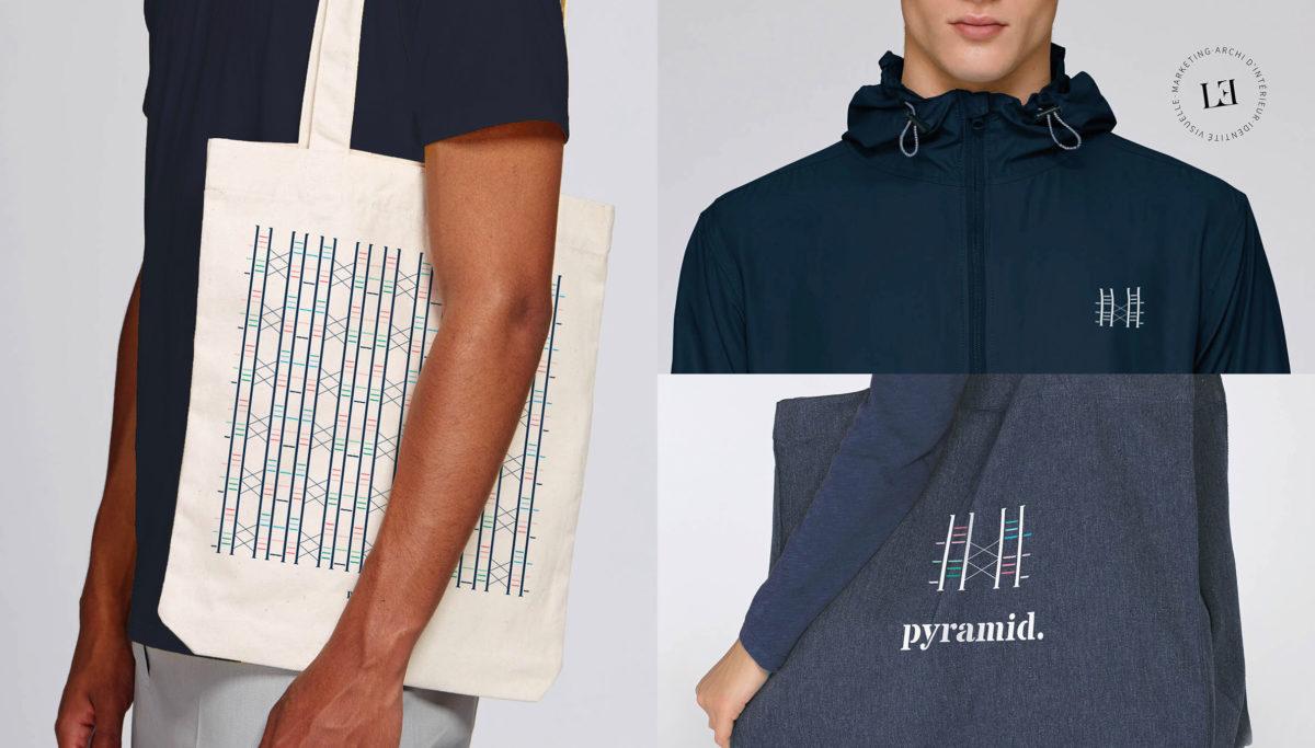 Label Experience : Goodies représentant l'identité visuelle de l'enseigne sous forme de tote bag, sweat et sac pour le pop-up store de« Pyramid » au Carrousel du Louvre.