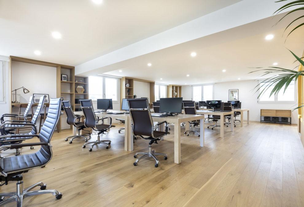Label Experience: Espace de coworking dans les bureaux de « Alter Solutions » à Versailles.