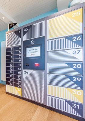 Label Experience : des casiers pour bagages dans le hall d'accueil du Pierre & Vacances au Crotoy