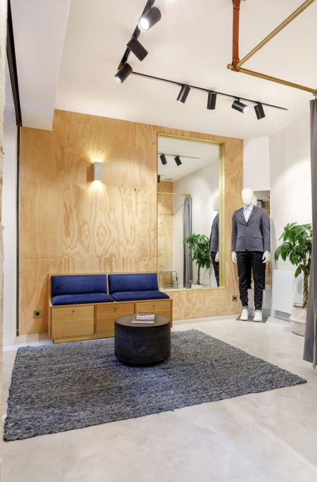 Label Experience: Dressing de la boutique « Bonne Gueule » à Paris.