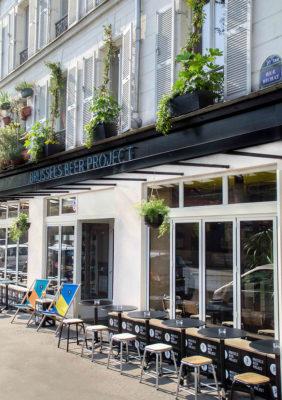 Label Experience : vue globale de la façade extérieur du bar à bière artisanale Brussels Beer Project Canal