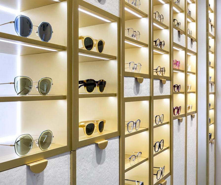 Label Experience : zoom sur les lunettes de la boutique Carlotti à Paris dans le Marais