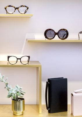 Label Experience : lunettes et étuis à lunettes dans la boutique Carlotti à Paris dans le Marais