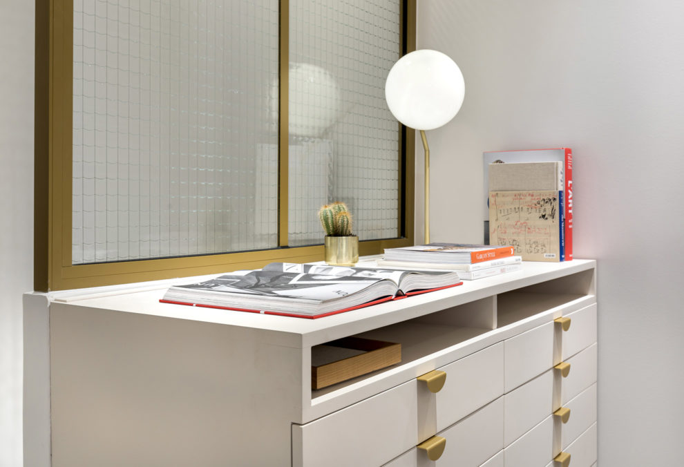 Label Experience : focus sur un meuble design dans la boutique Carlotti à Paris dans le Marais