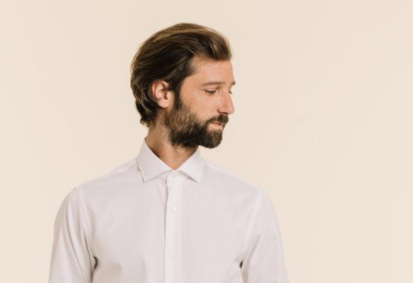 Label Experience: Portrait masculin avec barbe et chemise, égérie de la boutique « Hast » rue d'Aboukir à Paris.