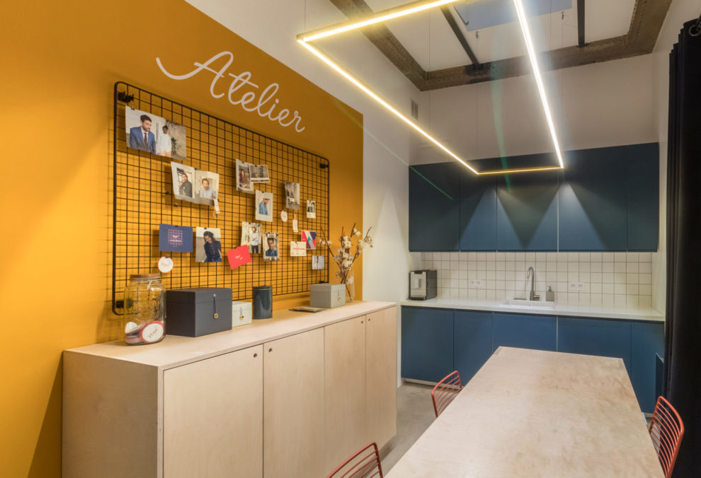 Label Experience: Espace cuisine et restauration de la boutique « Hast » rue d'Aboukir à Paris.