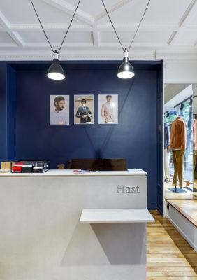 Label Expérience: Vue de la caisse de la boutique « Hast » aux Batignolles.
