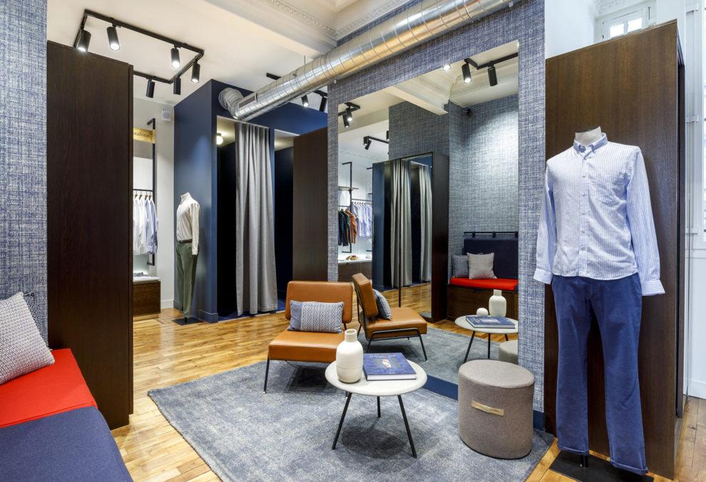 Label Experience: Espace dédié aux cabines d'essayage de la boutique « Hast » aux Batignolles.