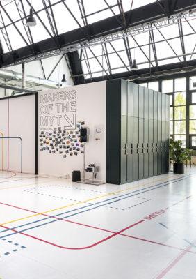 Label Experience : mur maker présentant les équipes du L'Oréal MYT