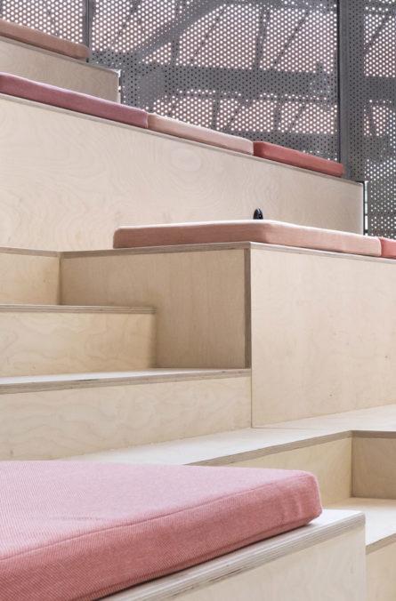 Label Experience : zoom sur les sièges de l'amphithéâtre du L'Oréal MYT