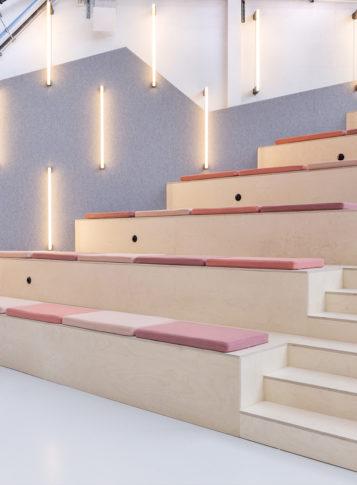 Label Experience : salle de conférence du L'Oréal MYT le lab d'innovation & incubateur d'entreprise à Aulnay-sous-bois