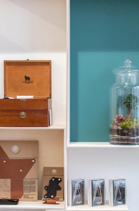 Label Experience: Terrarium et petits objets du pop-up store « Raffineurs » à Paris.