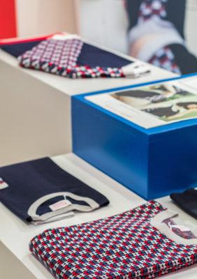 Label Experience: Trois pulls de la collection du pop-up store « Montagut » à Paris.