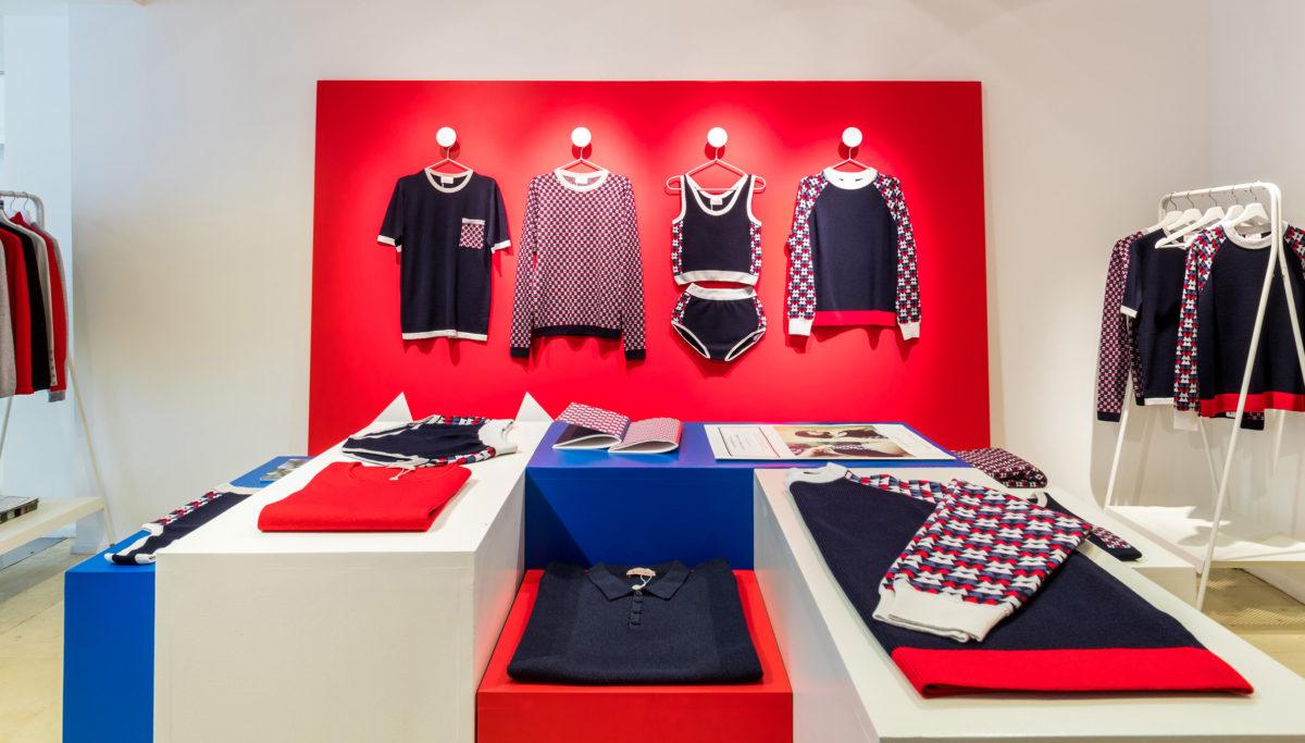 Label Experience: Ensemble de la collection tricolore du pop-up store « Montagut » à Paris.