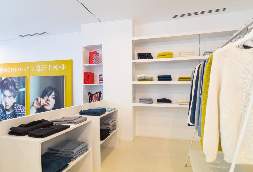 Label Experience: Corner avec collection bleu et moutarde du pop-up store « Montagut » à Paris.