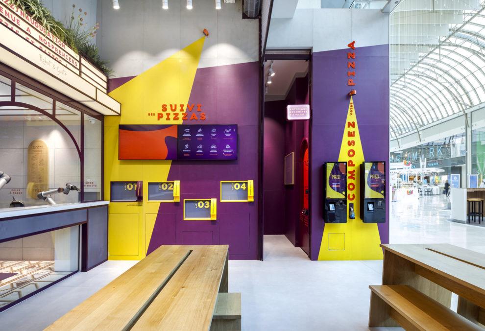 Label Experience : les bornes de commande du restaurant Pazzi au centre commercial Val d'Europe