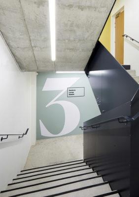 Label Experience : signalétique des étages de RaiseLab dans le 11ème arrondissement de Paris