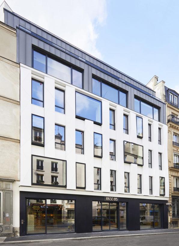 Label Experience : devanture de RaiseLab dans le 11ème arrondissement de Paris