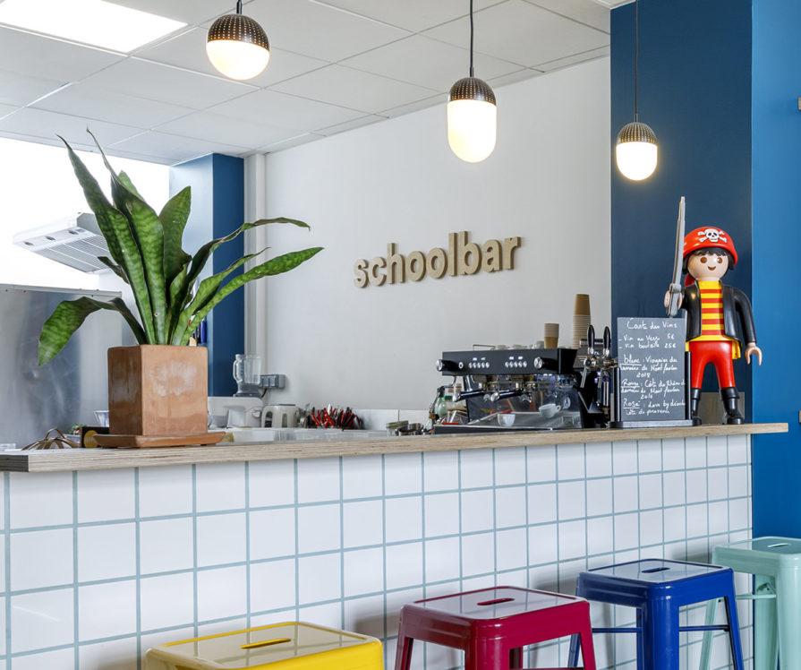 Label Experience: Espace bar/cuisine du nouveau espace coworking de « Schoolab » à Saint-Lazare.