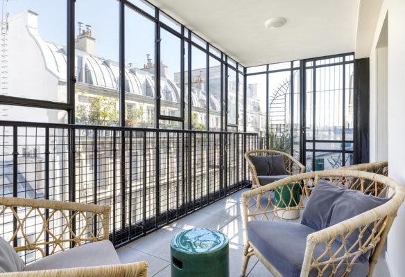 Label Experience: Espace terrasse en verrière du nouveau espace coworking de « Schoolab » à Saint-Lazare.