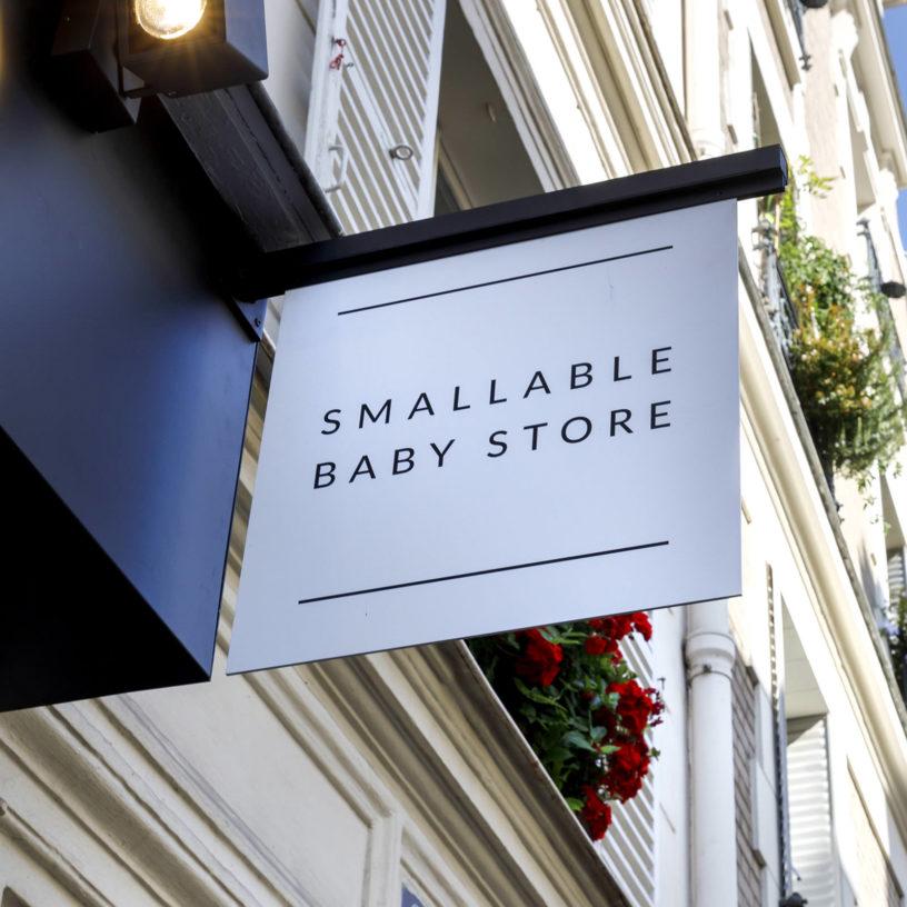 Label Experience : Enseigne extérieure de la boutique Smallable baby store à Paris.
