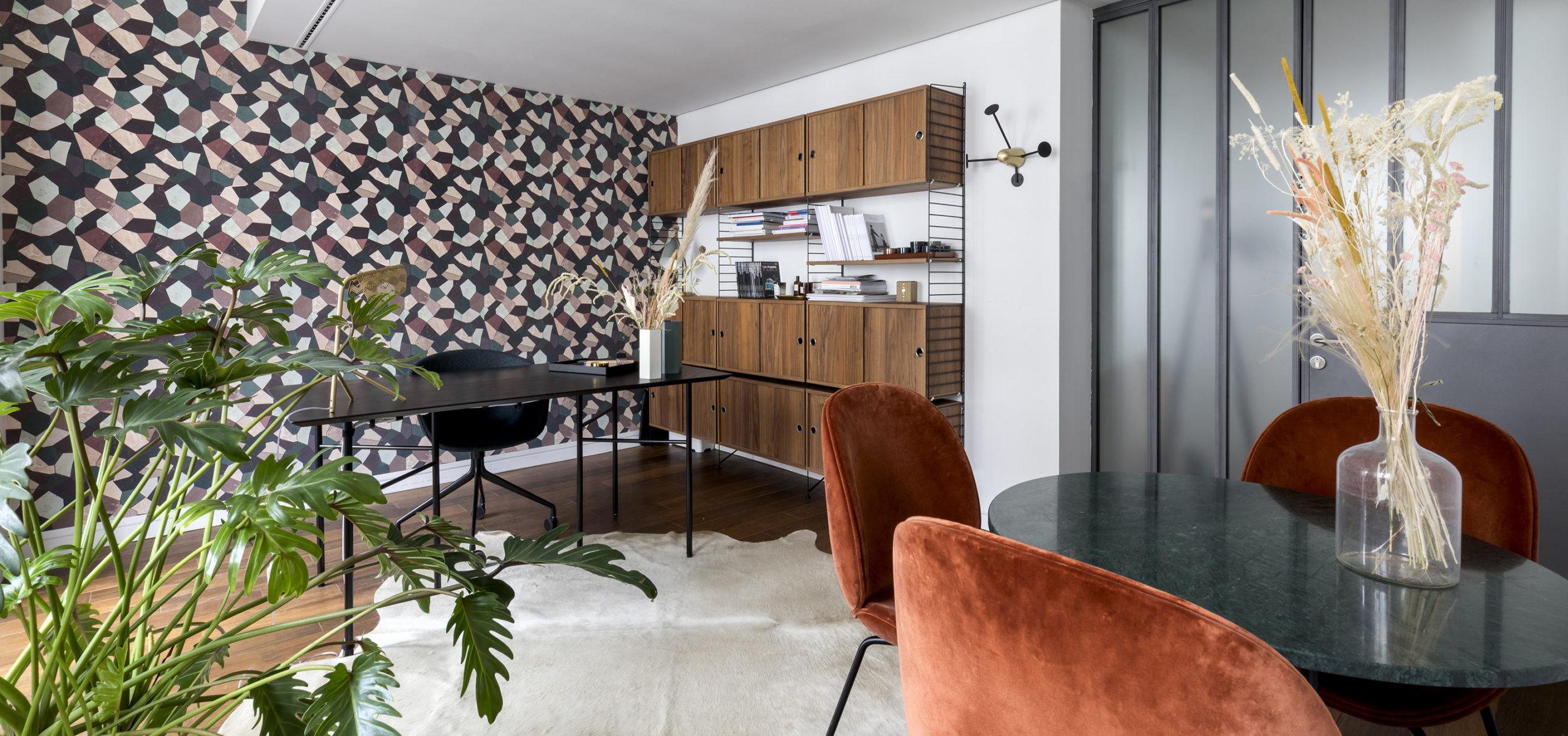 Label Experience: Salle de meeting cosy du bureau « Smallable » à Paris.