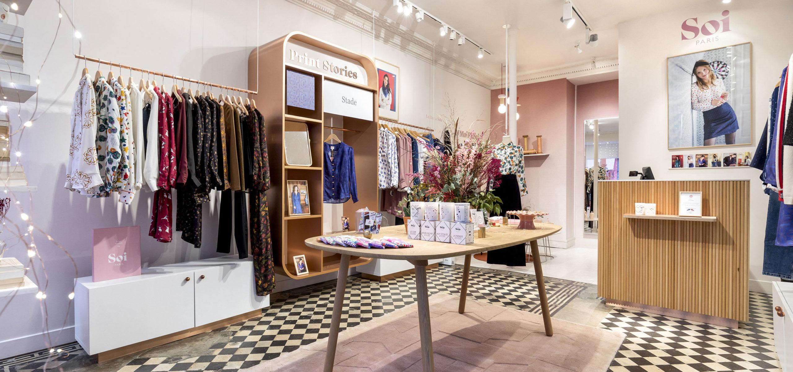Label Experience : vue d'ensemble de la boutique de vêtements Soi dans le quartier du Marais à Paris