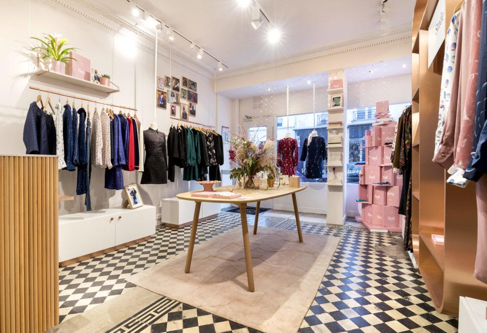 Label Experience : vue de l'intérieur de la boutique de vêtements Soi à Paris