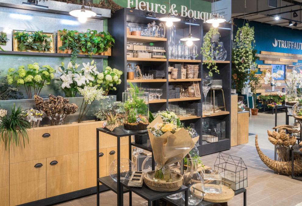 Label Experience: Espace de vente de fleurs et bouquets de la boutique « Truffaut » à Boulogne.