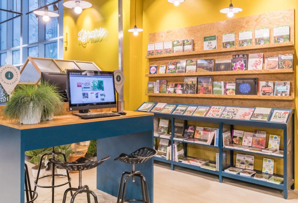 Label Experience: Librairie de la boutique « Truffaut » à Boulogne.