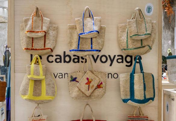 Label Experience: Exposition des cabas voyages au corner éphémère de Vanessa Bruno Rio dans le BHV.