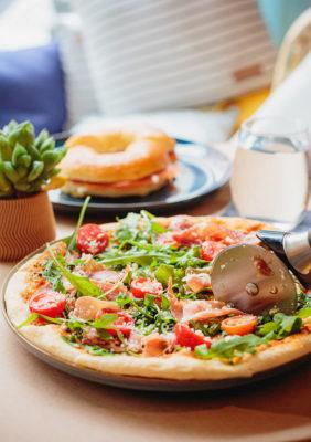 Label Experience : Focus pizza et bagel au tiers-lieu « The Wave Factory » à Lisbonne.
