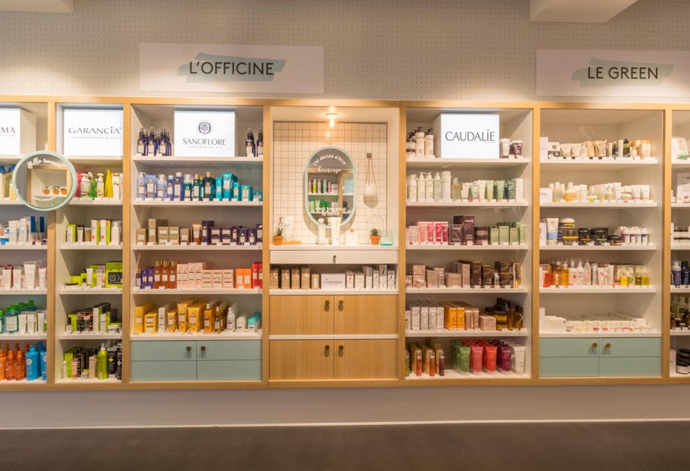 Label Experience : étagères produits dans l'espace green de la boutique Birchbox à Paris