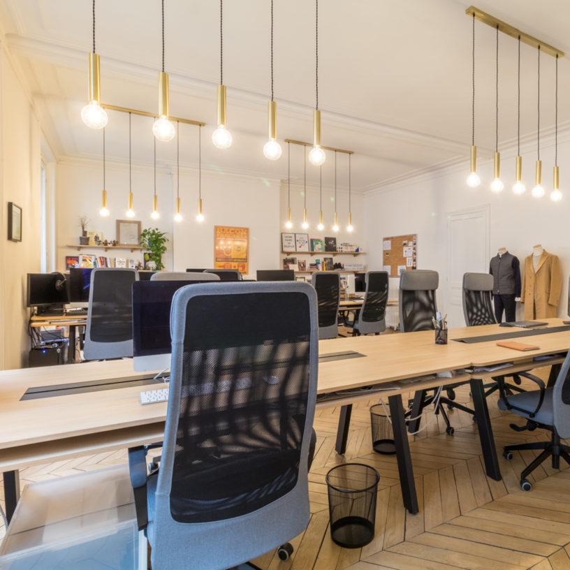 Label Experience : Focus sur le design d'un poste de travail au sein des bureaux BonneGueule à Paris