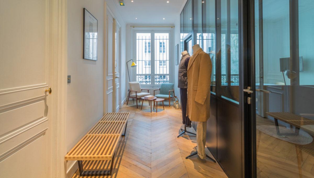 Label Experience : espace d'accueil dans les bureaux BonneGueule à Paris