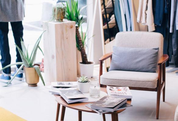 Label Experience : espace lounge dans la boutique BonneGueule à Lyon