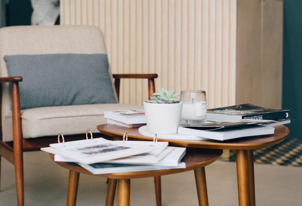 Label Experience : mobilier de l'espace lounge dans la boutique BonneGueule à Lyon