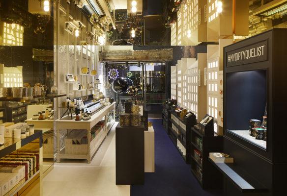 Label Experience : intérieur du pop-up store constellation Diptyque à Paris