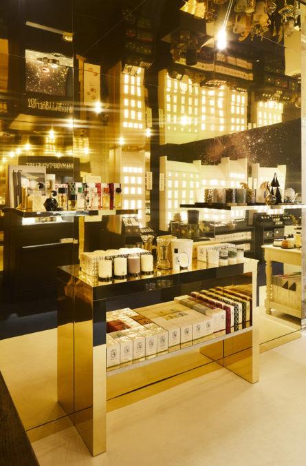 Label Experience : focus sur l'espace vente doré dans le pop-up Diptyque à Paris