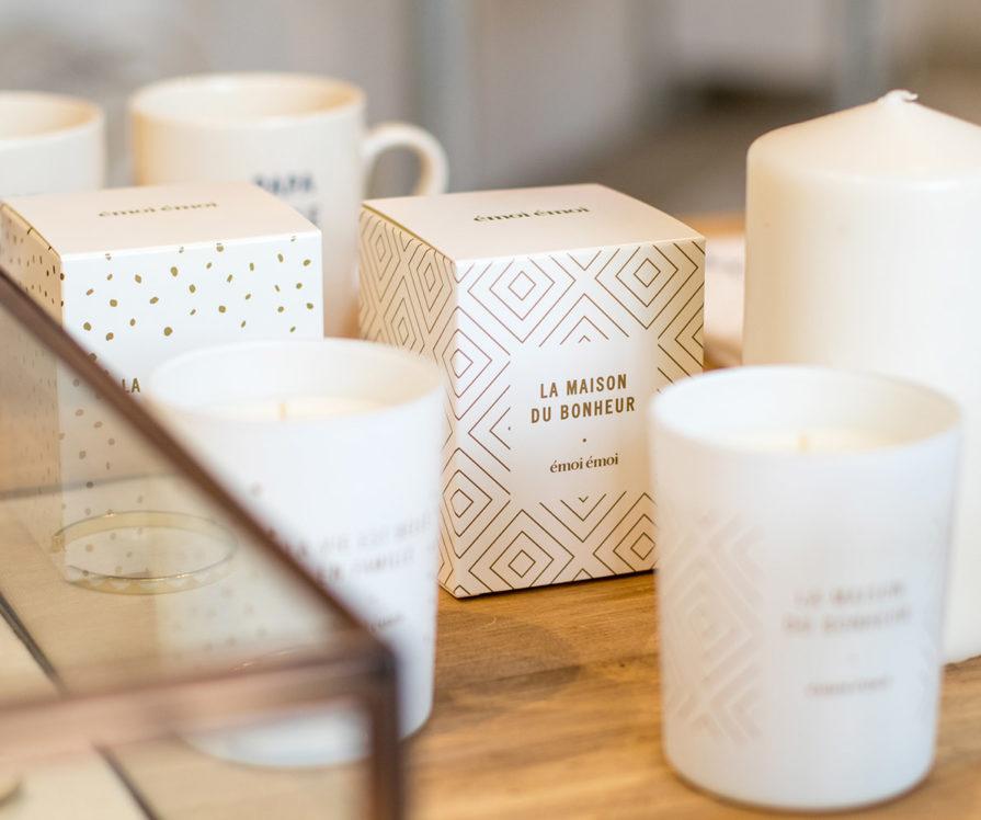 Label Experience: Bougies et mugs du pop-up store de émoi émoi à Paris, pour la fête des mères 2017.