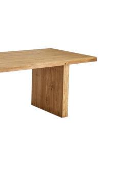 Label Experience : grande table en bois brute provenant de notre offre de location Movable