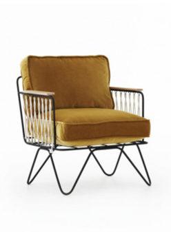 Label Experience : fauteuil métal et velours jaune provenant de notre offre de location Movable