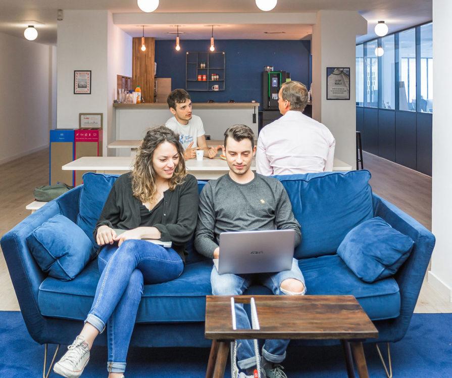 Label Experience : aperçu de la cafétéria dans l'espace de coworking Morning à Neuilly