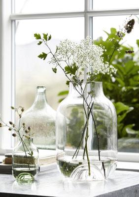 Label Experience : lot de vases en verre provenant de notre offre de location Movable