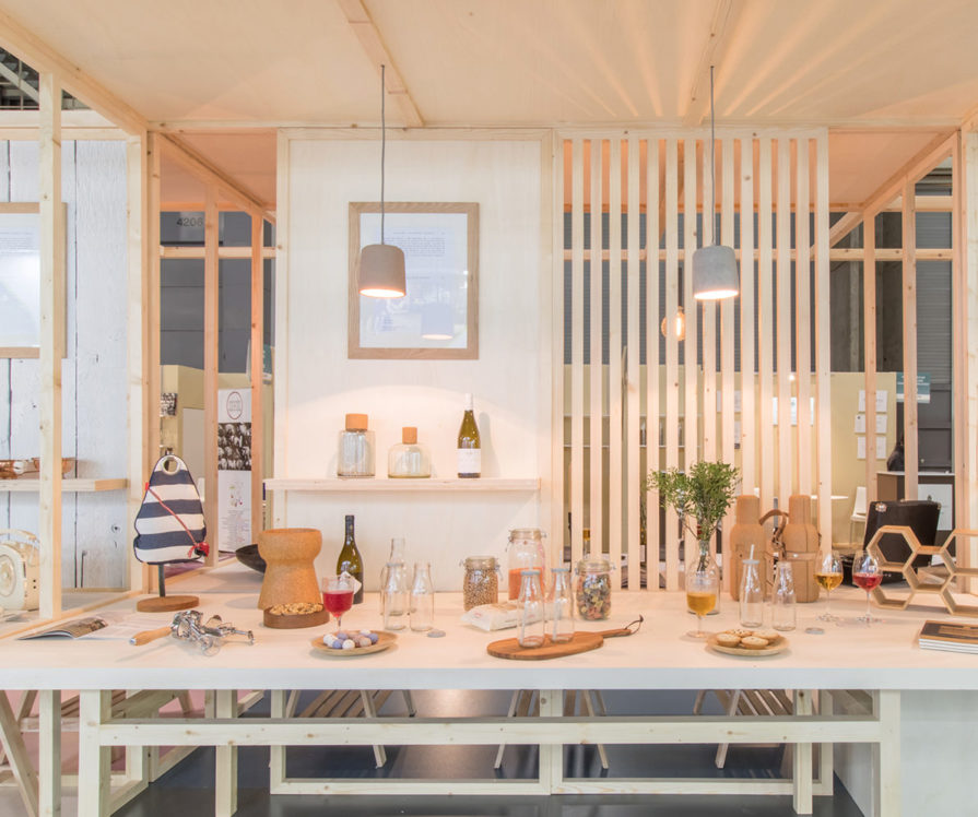 Label Experience : table de dégustation dans le salon Vinovision à Paris