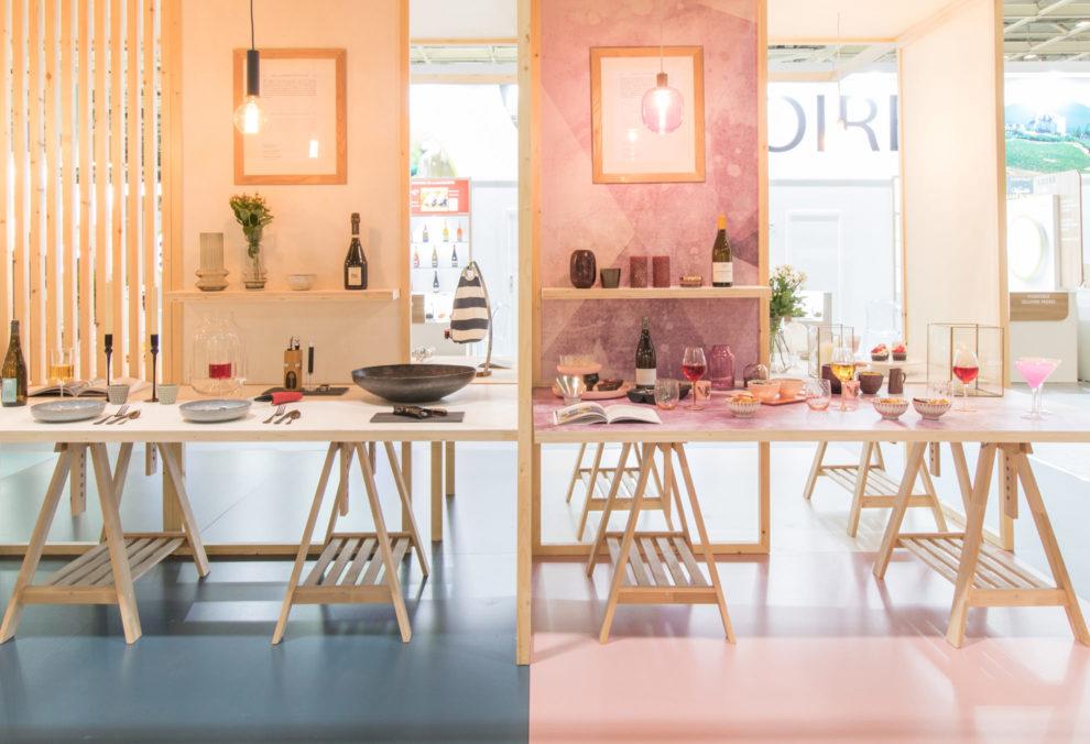 Label Experience : deux ambiances de stand de dégustation dans le salon Vinovision à Paris