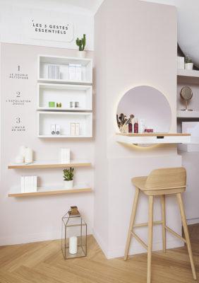 Label Experience : comptoir à maquillage dans l'espace vente de la boutique Oh My Cream à Lyon