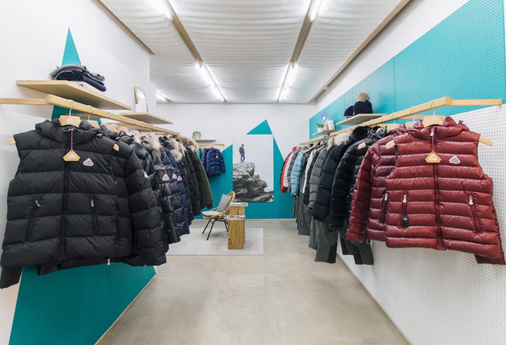 Label Experience : ambiance colorée pour la boutique Pyrenex à Paris